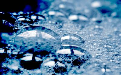 Agua y jabón para lavar el silestone