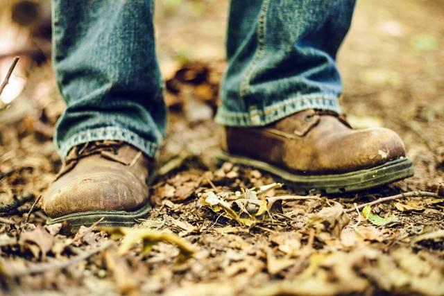 Como limpiar los zapatos manchados de ante