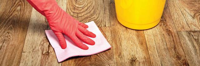 Cómo Fregar suelo laminado
