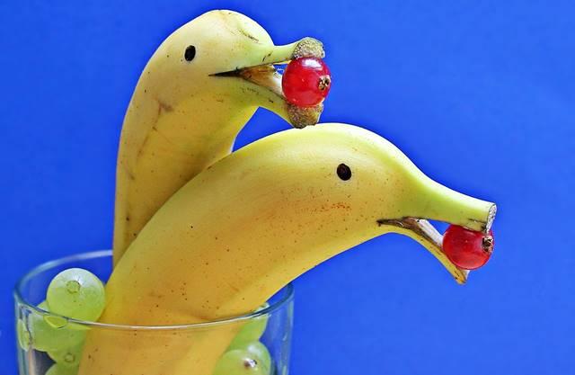 Como Limpiar la plata con cáscara de plátano