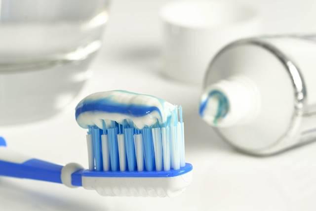 Como limpiar la plata con pasta dental