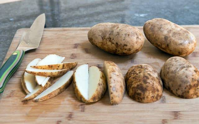 Puedes limpiar la campana extractora con patata