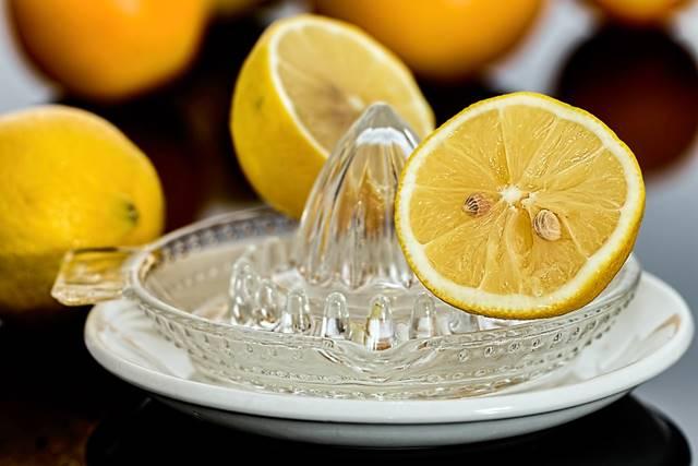 Cómo limpiar el horno con zumo de limón