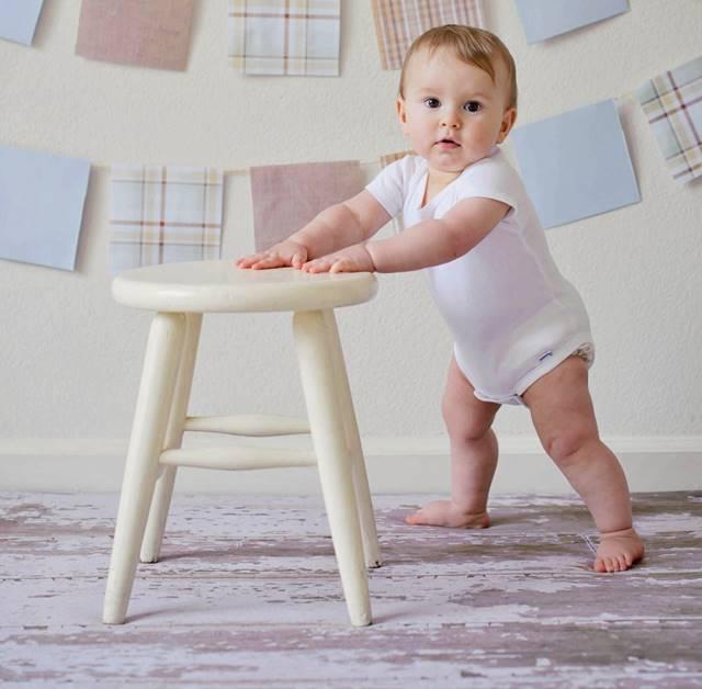 Arrastrar muebles puede rayar la tarima flotante