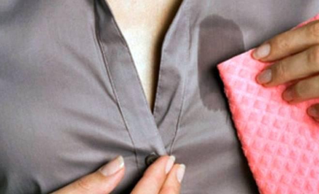 como quitar manchas de grasa de la ropa