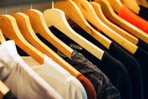 Come stirare facilmente la camicia da uomo