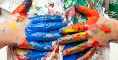 Cómo quitar manchas de tinta en la ropa